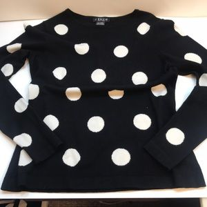 Black & white sweater with reversible scarf